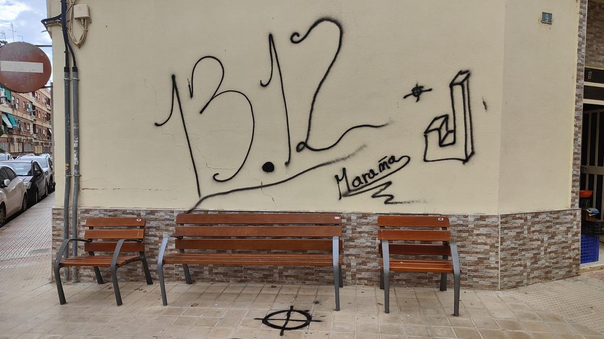 Pintadas nazis en Silla.