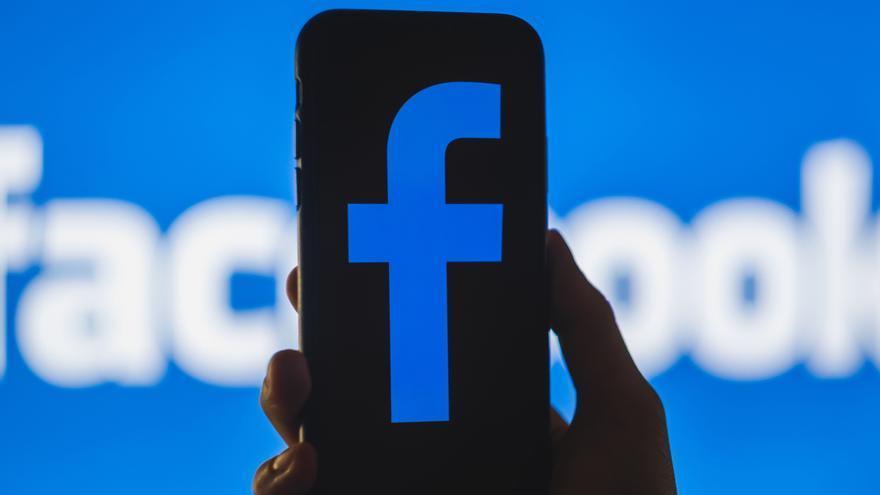 Facebook añade la figura del experto en los Grupos