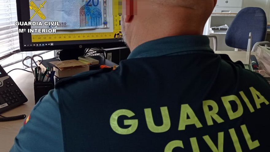 Investigados cuatro jóvenes por cometer estafas con billetes falsos en Cartagena