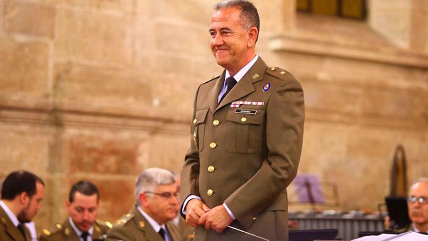 El músico torrevejense Armando Bernabeu Andreu nuevo director de la Unidad de Música de la Guardia Real