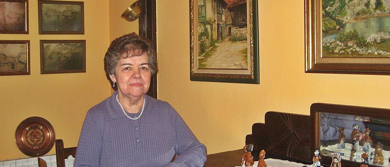 Rosita Morán, en su negocio de Benia de Onís, en una imagen de archivo.