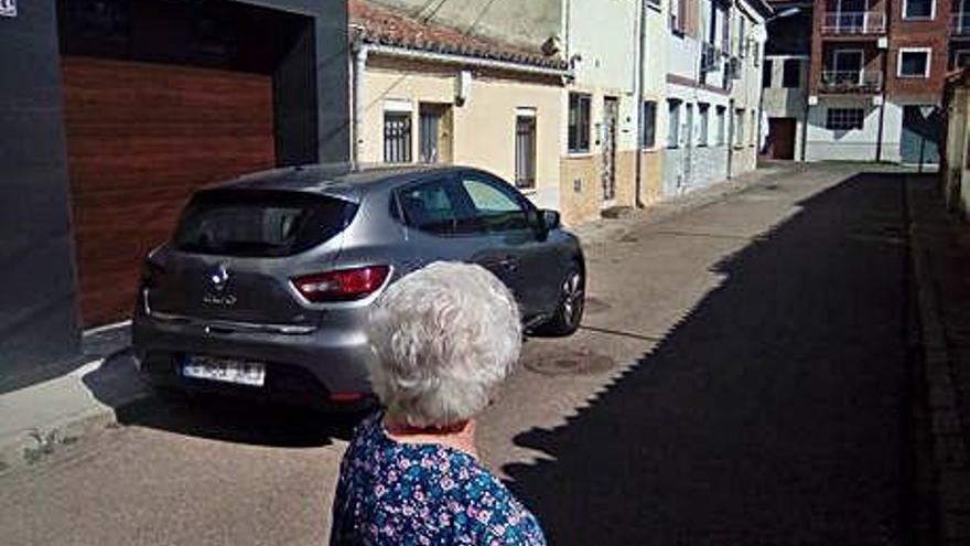 Calle San Gregorio, de Pinilla, donde ha acudido el 112 dos veces en 24 horas para atender a un vecino.