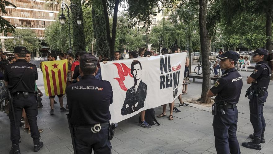 Majestätsbeleidigung: Polizei nimmt Separatisten auf Mallorca fest