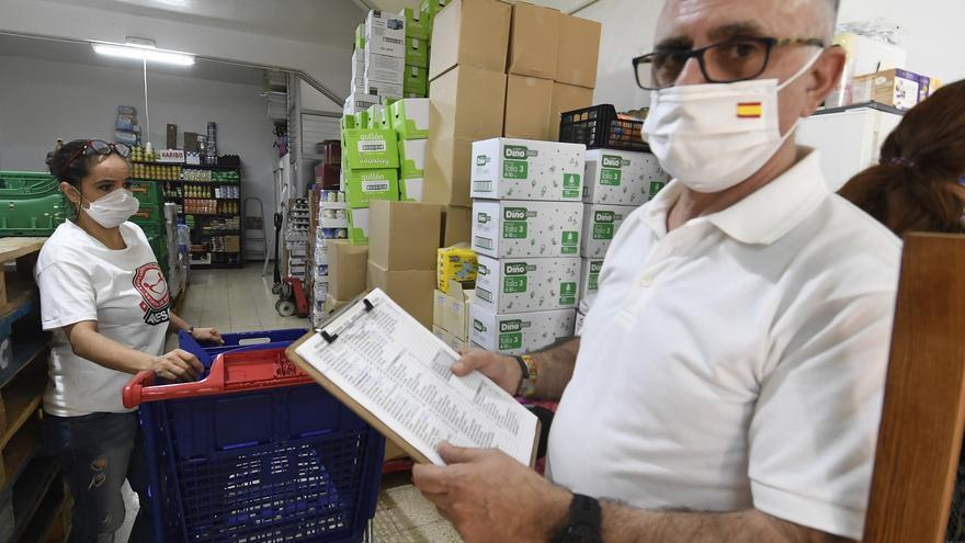 Avesar inicia una recogida de alimentos solidaria en Arenales