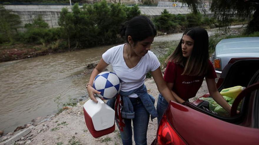 El poderoso huracán Iota toca tierra en Nicaragua