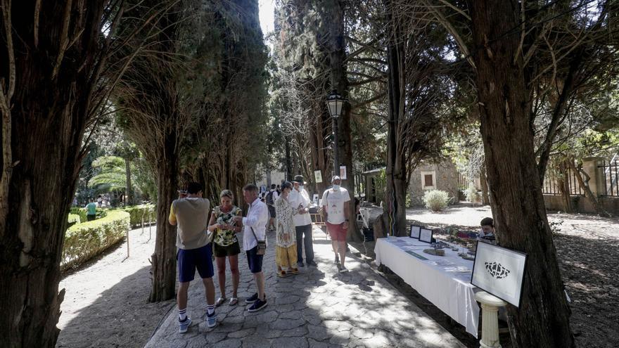 Valldemossa Mercat d'Art: Oasis de arte en los jardines de la Cartuja