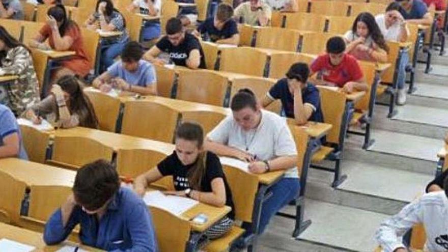 La Generalitat no suspende los exámenes presenciales en la Comunitat Valenciana
