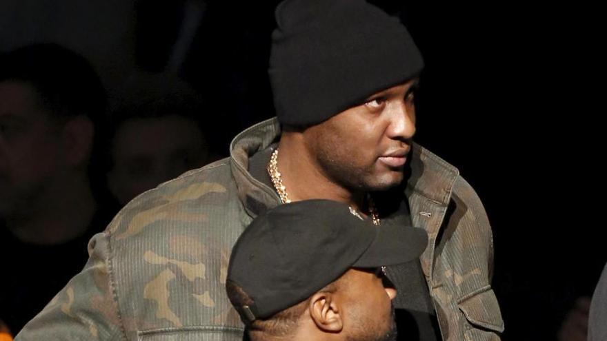 Lamar Odon reaparece en público tras estar al borde de la muerte