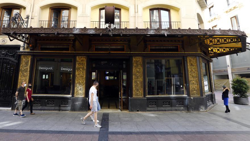 El estado de la antigua joyería Aladrén de Zaragoza