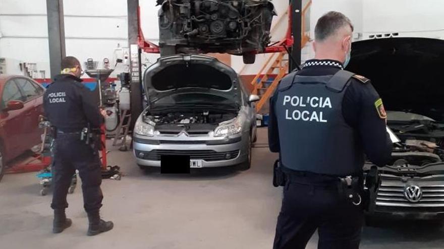 La Policía Local, en el taller ilegal de Alaquàs