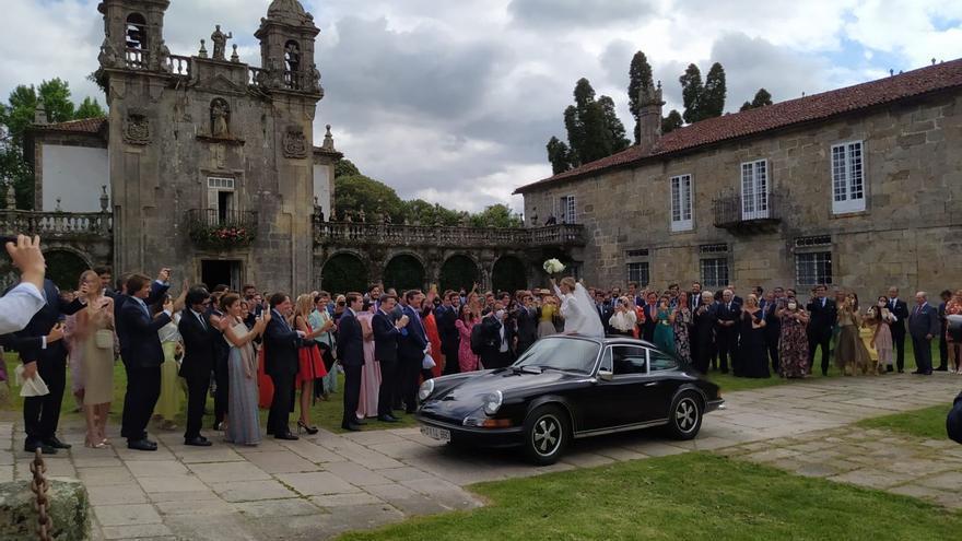 Indignación contra Lucía Bárcena por saltarse la  normativa sanitaria contra la Covid en su boda