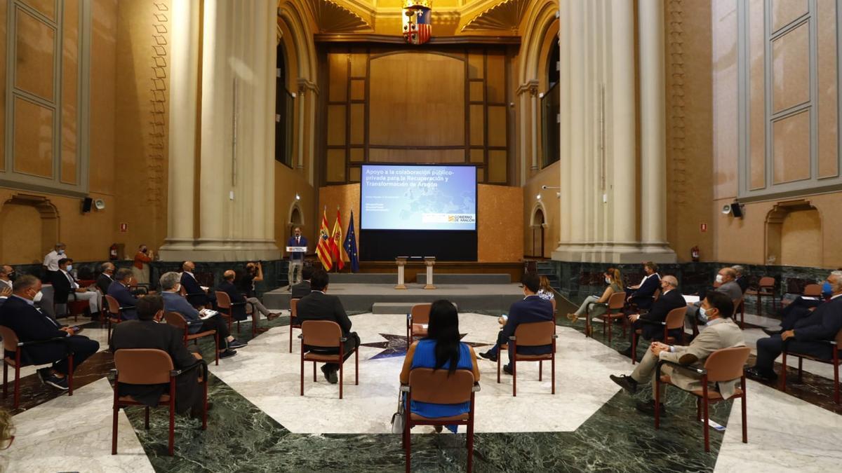 El presidente del Gobierno de Aragón, Javier Lambán, ha presidido la firma del documento por el que la comunidad presentará 326 proyectos a los fondos europeos.