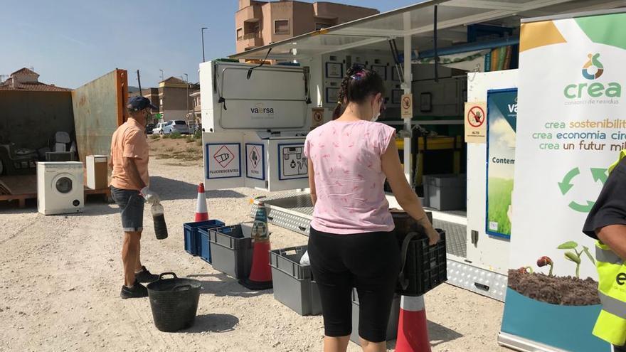 El ecoparque móvil de CREA recicla más 24.000 kilos de residuos en Monóvar