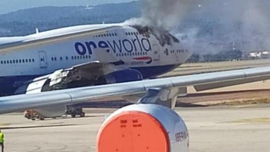 Un avión se incendia en el aeropuerto de Castellón
