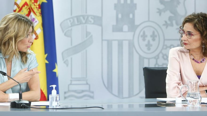 El pacto de presupuestos de PSOE y Podemos incluye el impuesto mínimo del 15% para sociedades