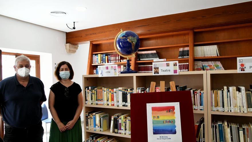 La biblioteca de Xàbia estrena sección LGTBI
