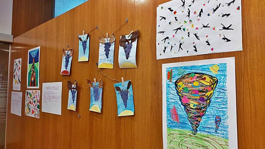 Los usuarios del CAI La Unión interpretan con sus obras a grandes artistas como Frida Kahlo y Maruja Mallo