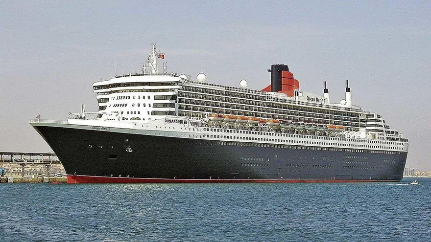Queen Mary 2 en el puerto de Palma