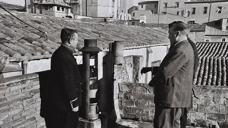 Rescaten i digitalitzen 13.000 arxius sobre la meteorologia de Girona