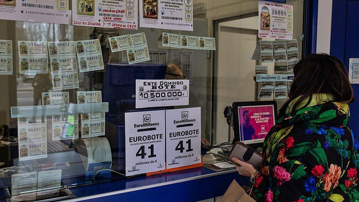 Una administración de lotería en Zamora capital.