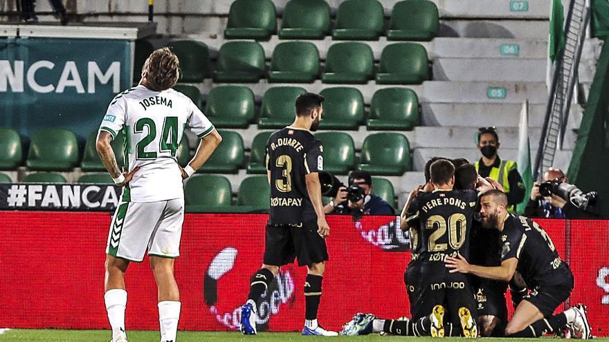La victoria del Huesca ante el Athletic deja al Elche en una situación agónica