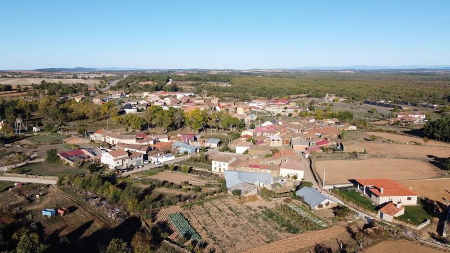 El Ayuntamiento de Fonfría apoya la concentracion parcelaria en sus pueblos