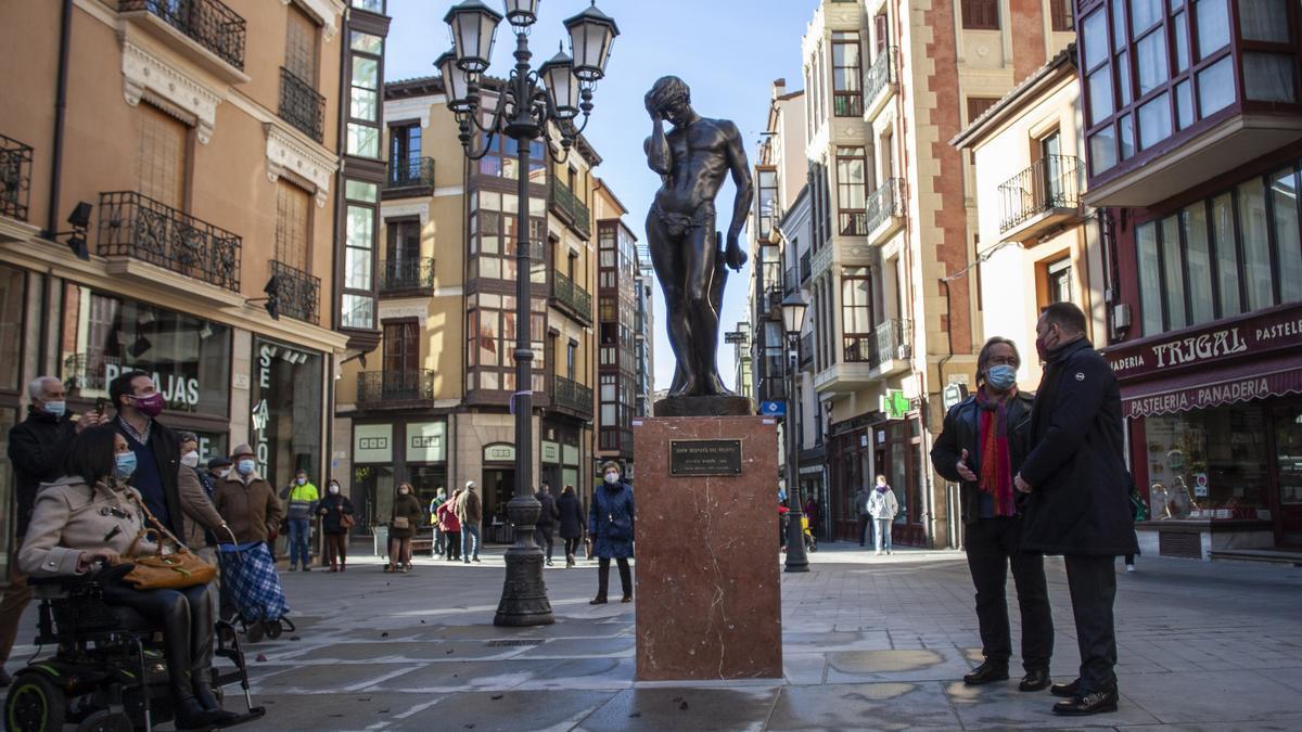 Inauguración de la estatua celebrada esta mañana a cargo de las autoridades