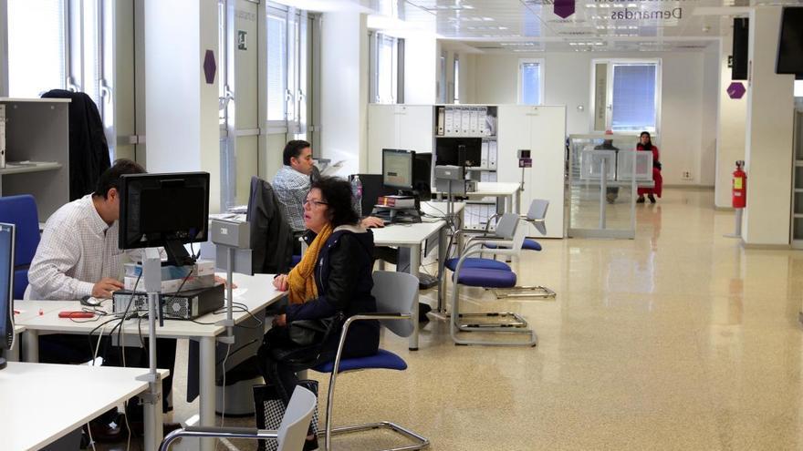 La covid-19 deja 13.300 parados más que hace un año en la Región