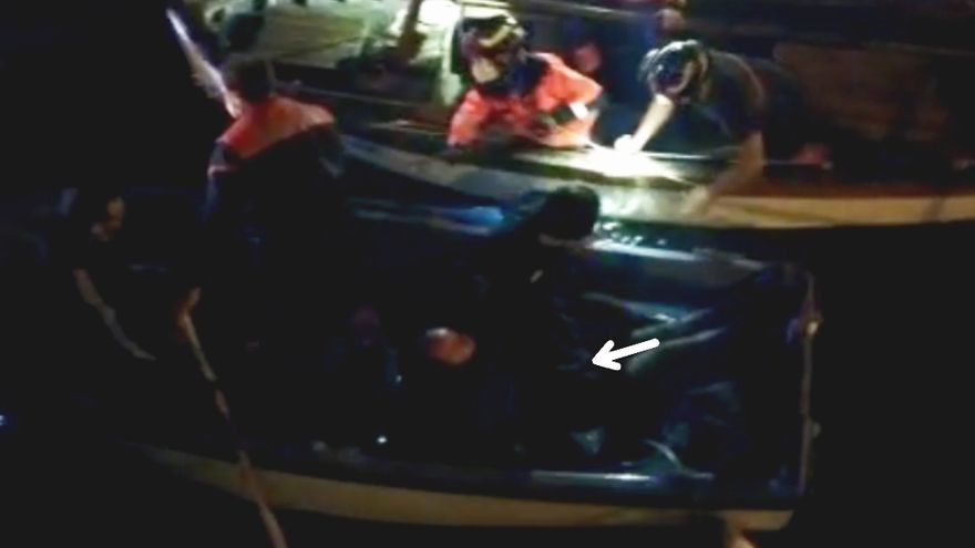 Rescatan de madrugada a un septuagenario que se cayó al agua en Bouzas