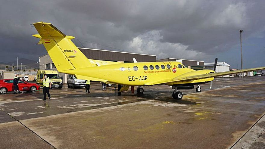 Canarias usa un avión con 40 años de antigüedad para traslados médicos