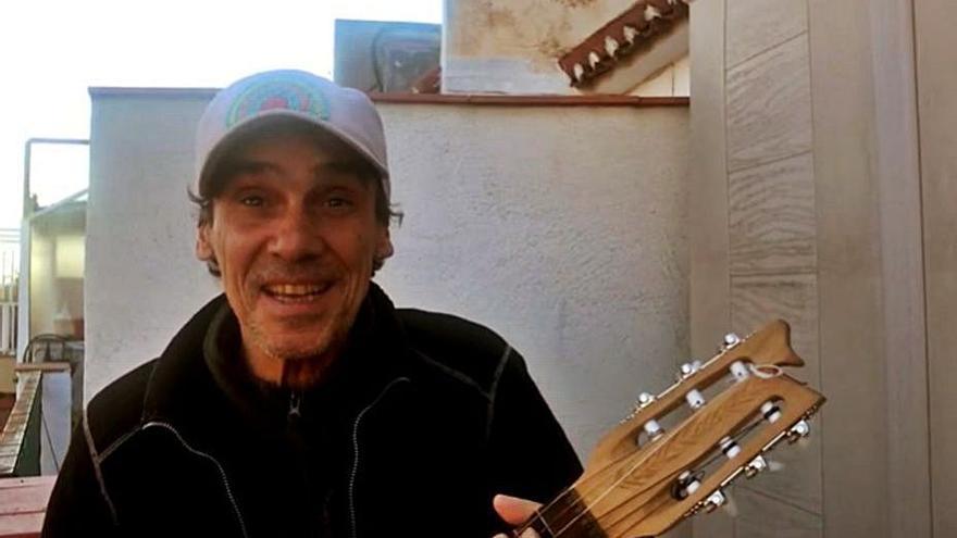 Manu Chao canta contra As Percebeiras