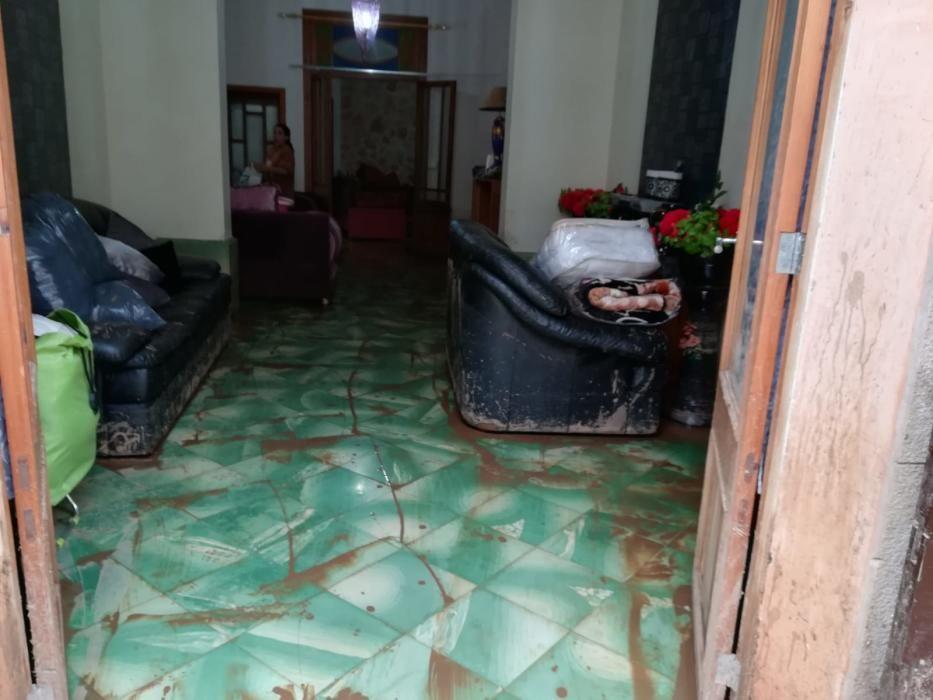 Calles y viviendas destrozadas tras las inundaciones en Sant Llorenç