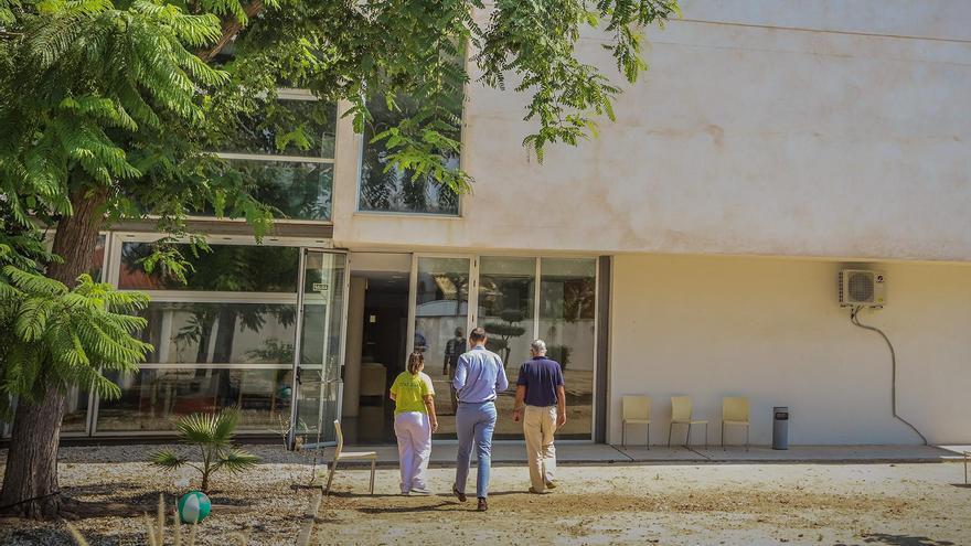 Dos muertos y 54 contagiados en una residencia que ha sido intervenida por Sanidad en Pilar de la Horadada