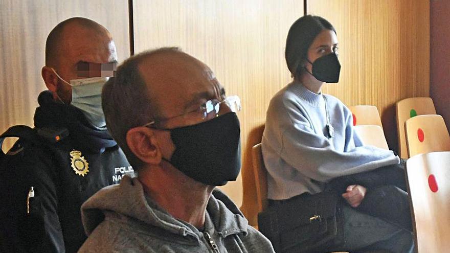 Ocho años de cárcel para el acusado de apuñalar a su madre e intentar asfixiarla