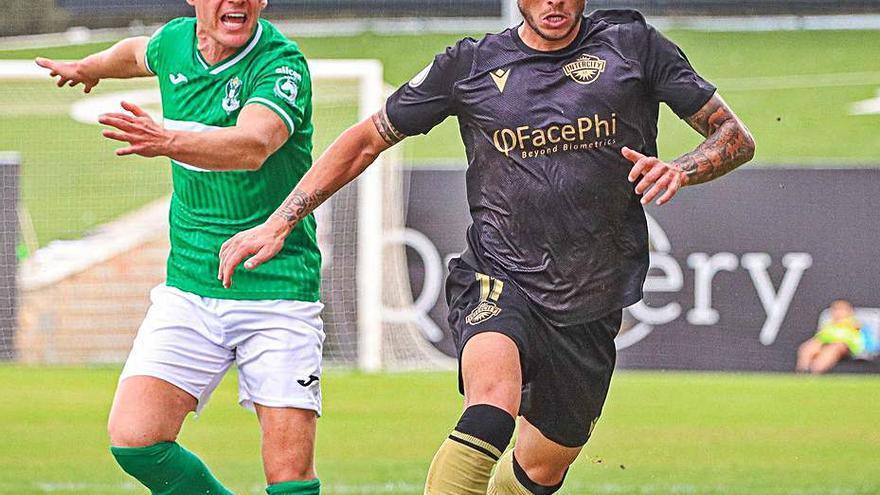 Un gol de Enzo Cabrera sitúa al Intercity en la parte alta