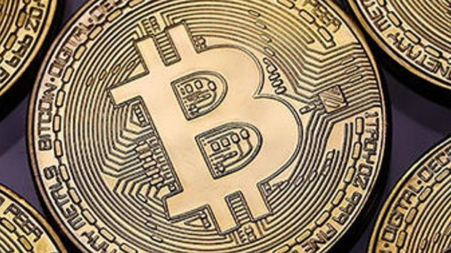 El bitcoin registra un nuevo récord por encima de los 63.000 dólares