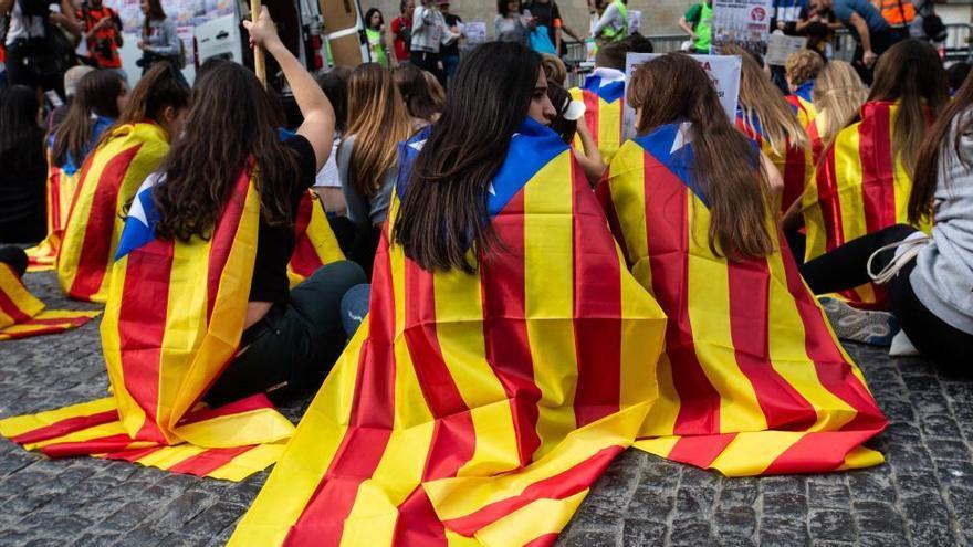 Un 49,35% de catalans rebutja la independència i un 40,3% vol que Catalunya sigui un estat