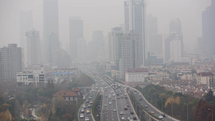 Un estudi demostra la relació entre pol·lució de l'aire i demència