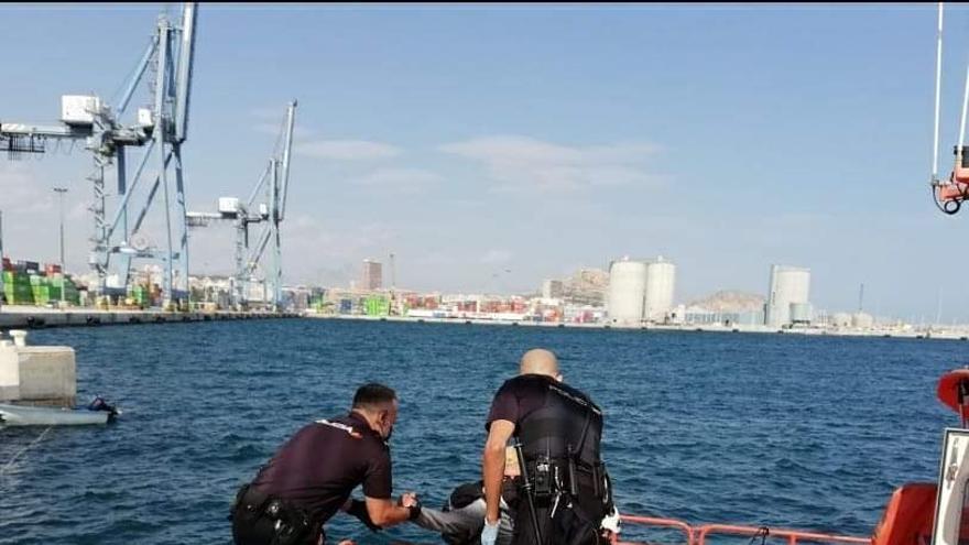 Jupol pide a Interior más medios tras la llegada de 66 pateras y 800 inmigrantes a Alicante