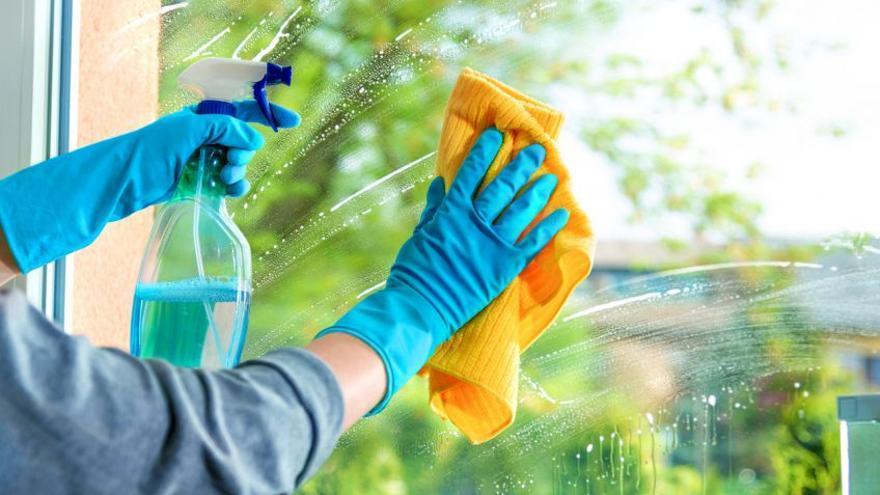 El truco definitivo para que tus persianas y ventanas se vean limpias por fuera
