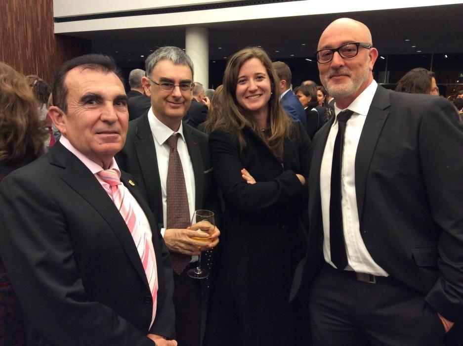 López Vizcaíno, de Ecu; José Ferrándiz, director del Instituto Gil Albert; Marina Vicente, directora de marketing de la Feria del Libro; y Rogelio Fenoll, jefe de Cultura de INFORMACIÓN