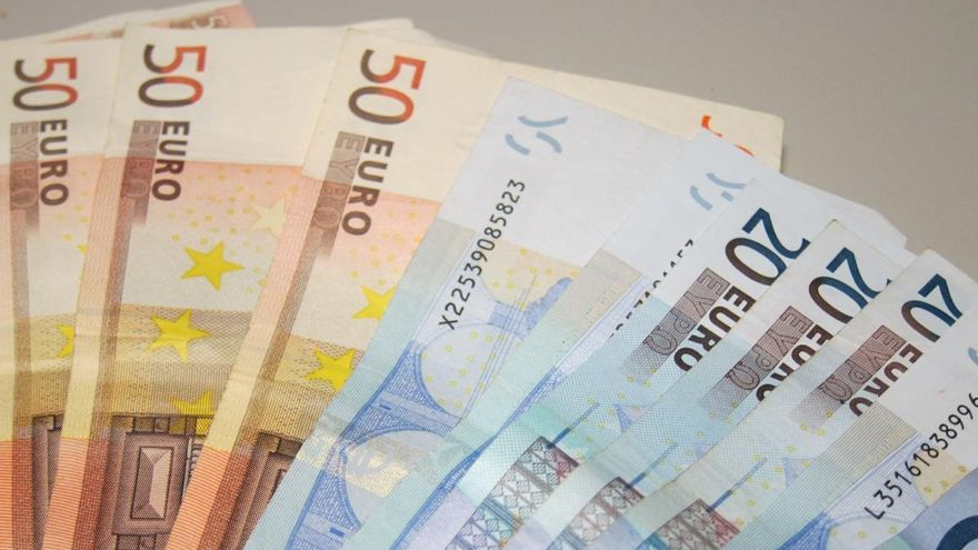 Intervienen más de 155.000 euros en efectivo a un hombre en un centro comercial de Telde
