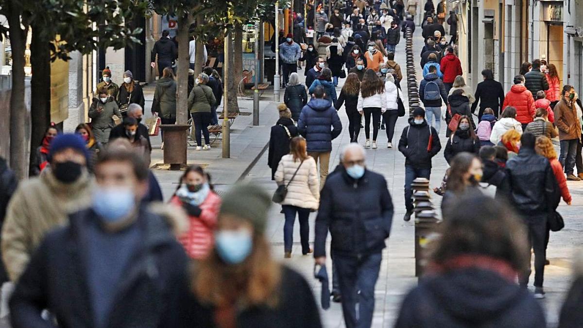 El carrer Santa Clara de Girona, en una imatge d'aquest hivern.