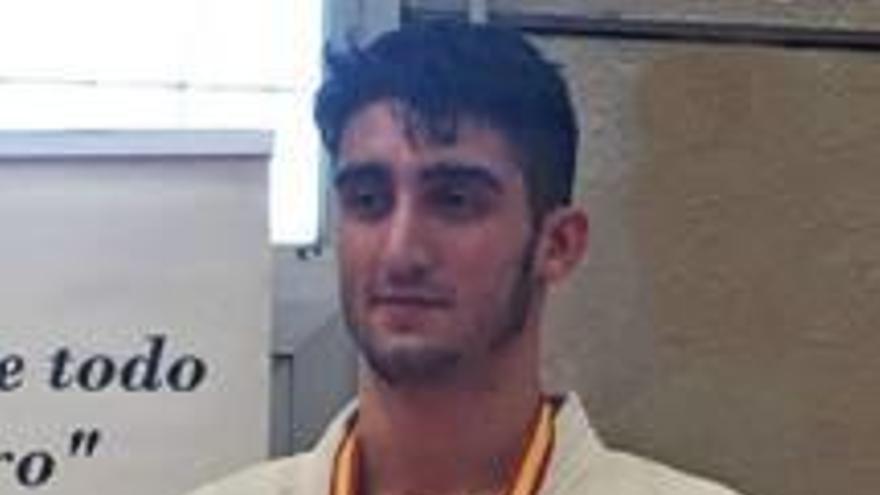 El alcireño Alberto Varela consigue la medalla de plata en el Sector Este de Judo