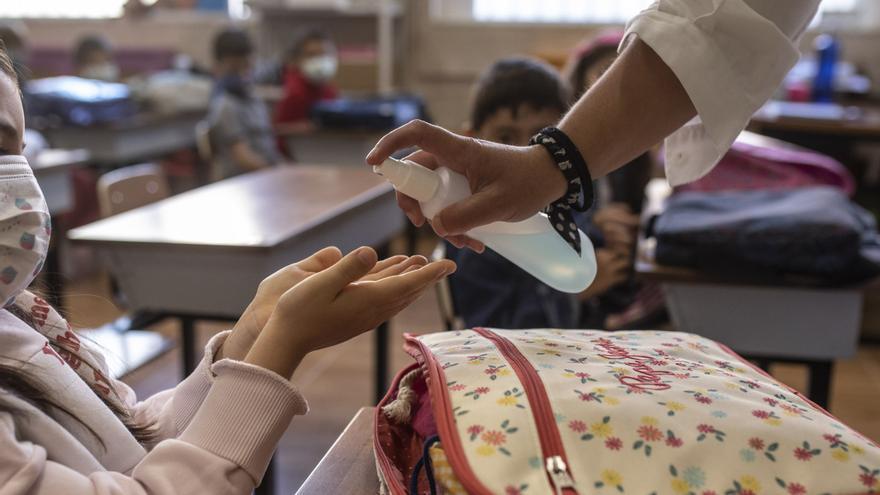Mes y medio de colegio deja 447 aulas cerradas, 6 hoy, con 348 ya reabiertas