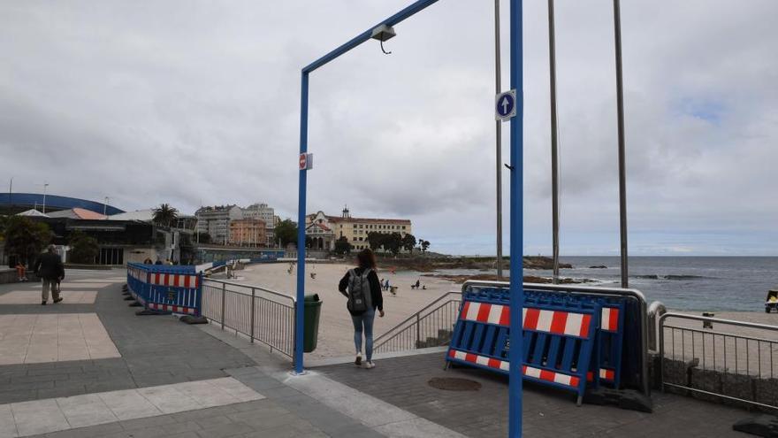 A Coruña instala arcos de control de aforo en las playas