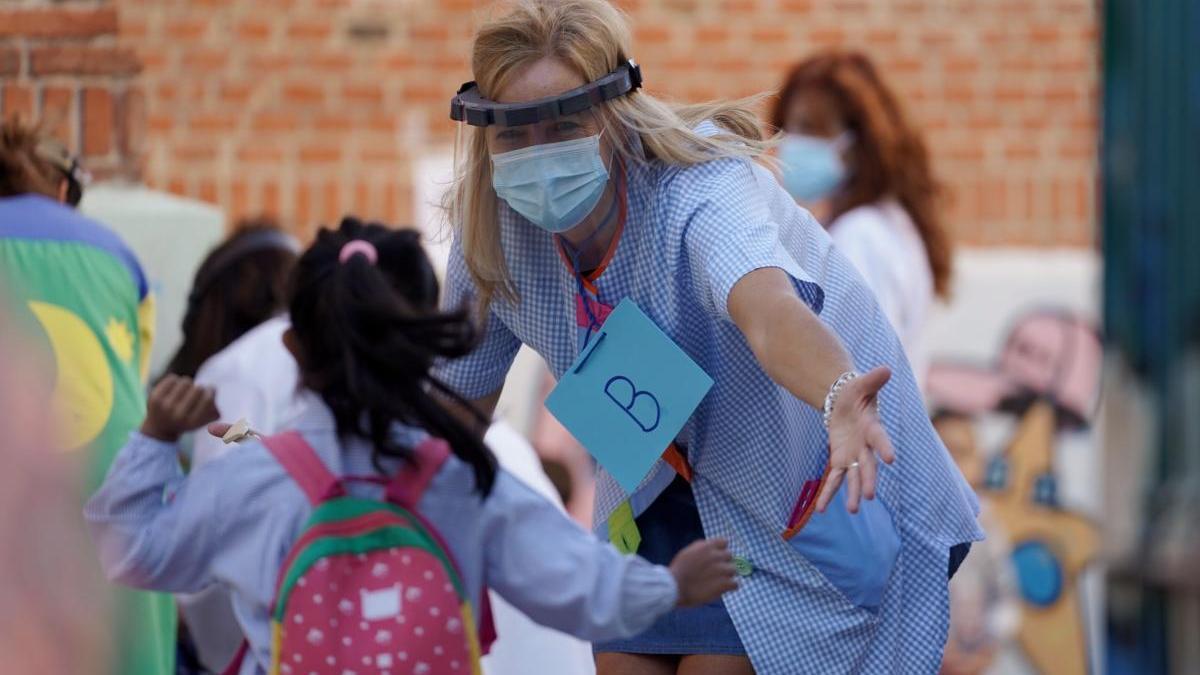 Ir al cole por primera vez es un paso importante para los niños.