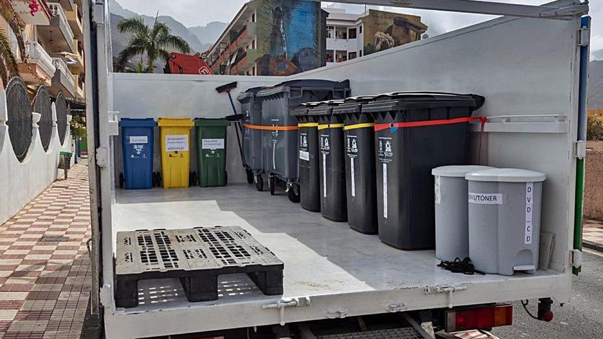 Un camión como 'ecopunto móvil' para residuos sin contenedores asignados