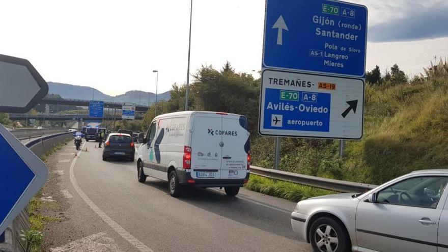 La policía vigila las salidas de las ciudades asturianas cerradas