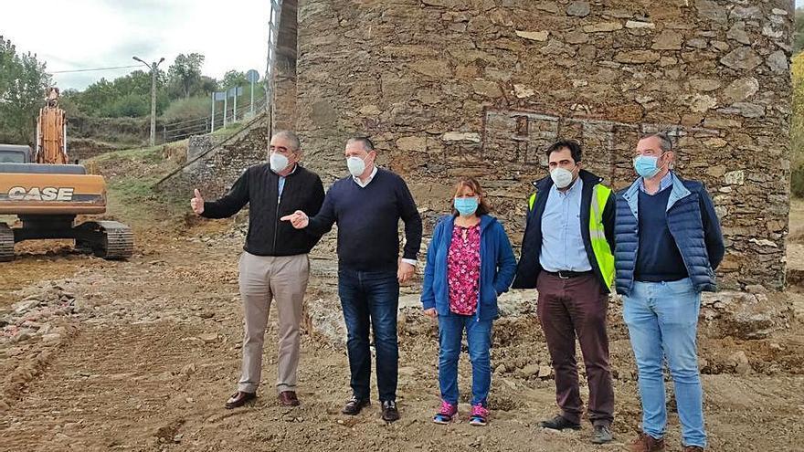 Comienza la reparación del puente de Vegalatrave con el replanteo de obra